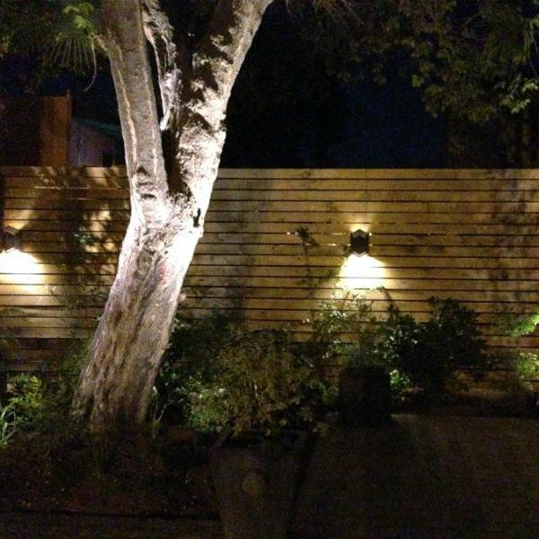 ILUMINACIÓN EXTERIOR HOTEL CASTILLO ROJO